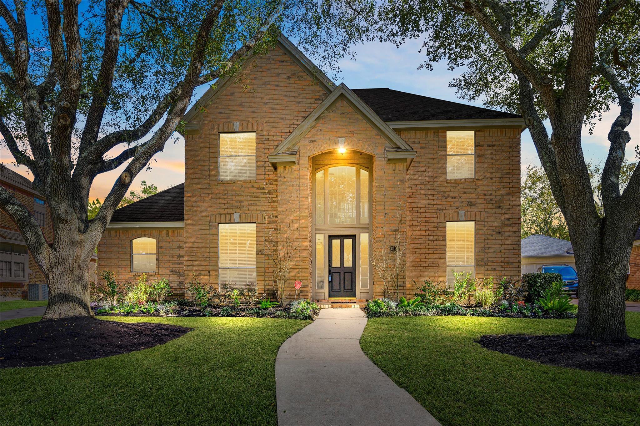 1303 Rosemeadow Drive Property Photo - Houston, TX real estate listing