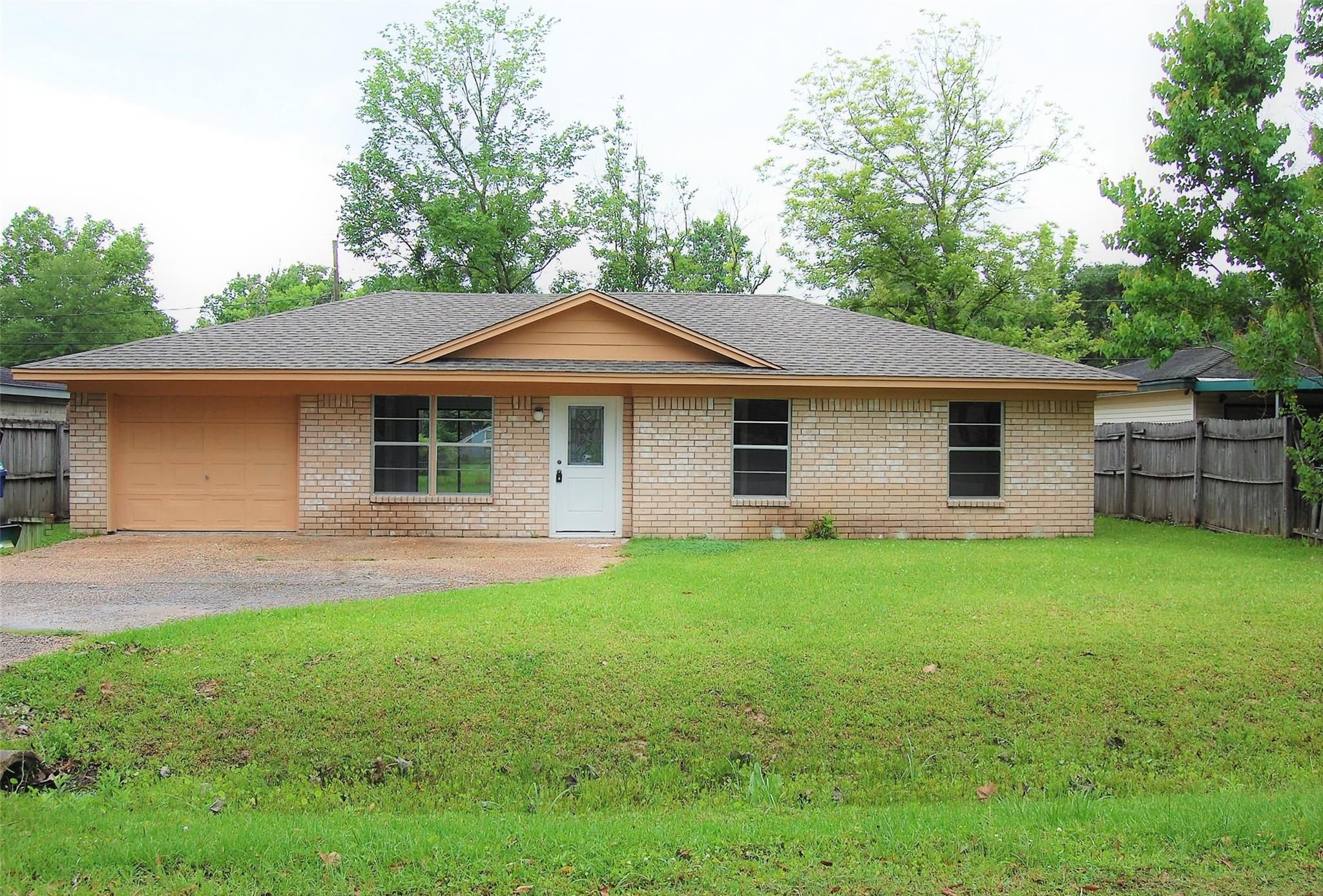 865 N 2nd Street Property Photo