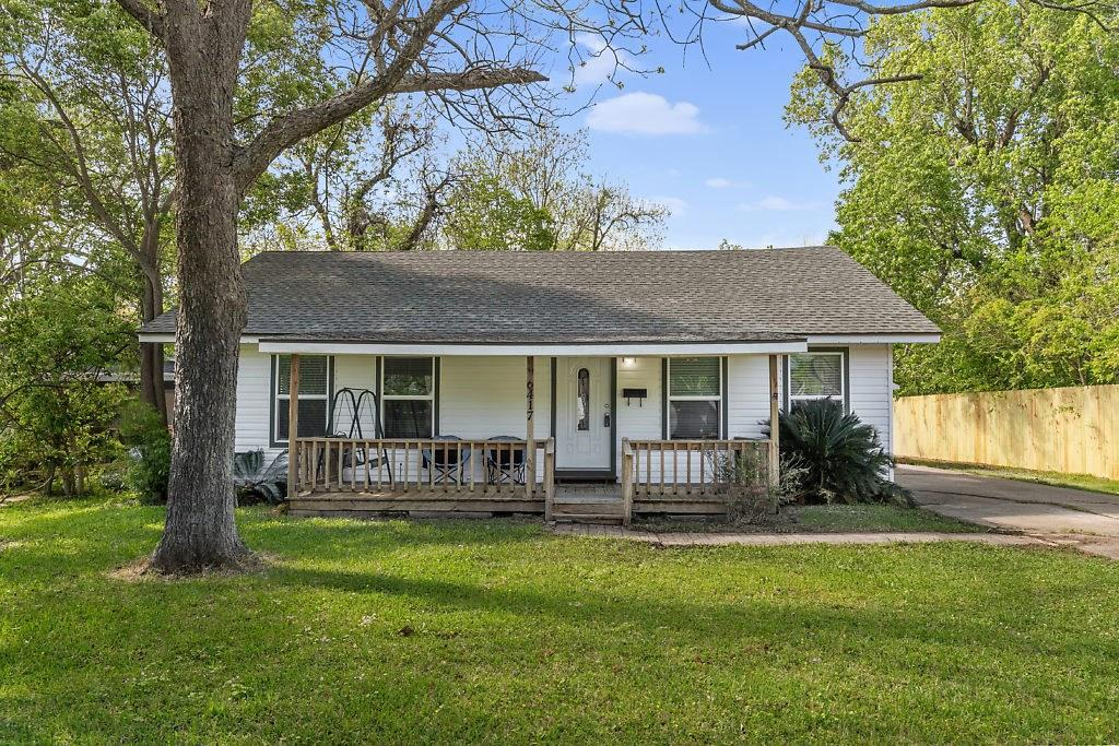 6417 32nd Street, Groves, TX 77619 - Groves, TX real estate listing