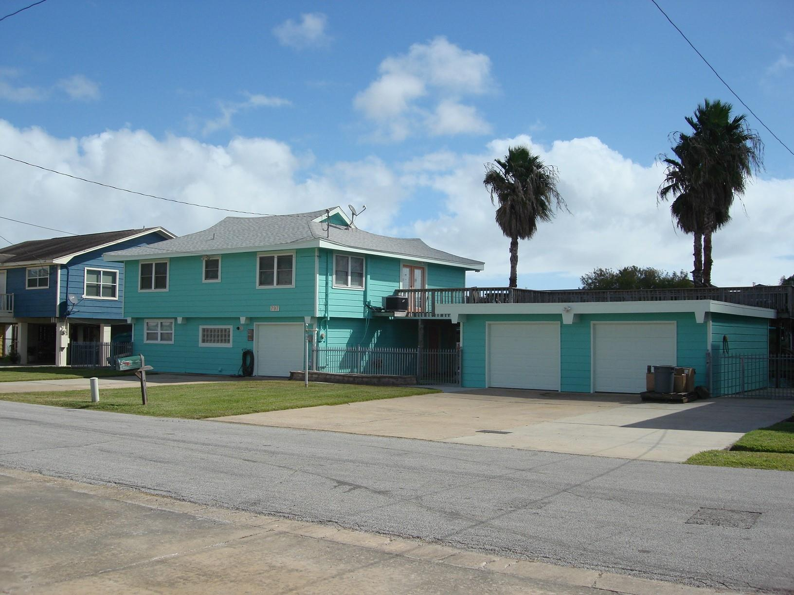 797 & 798 Marlin Street Property Photo - Bayou Vista, TX real estate listing