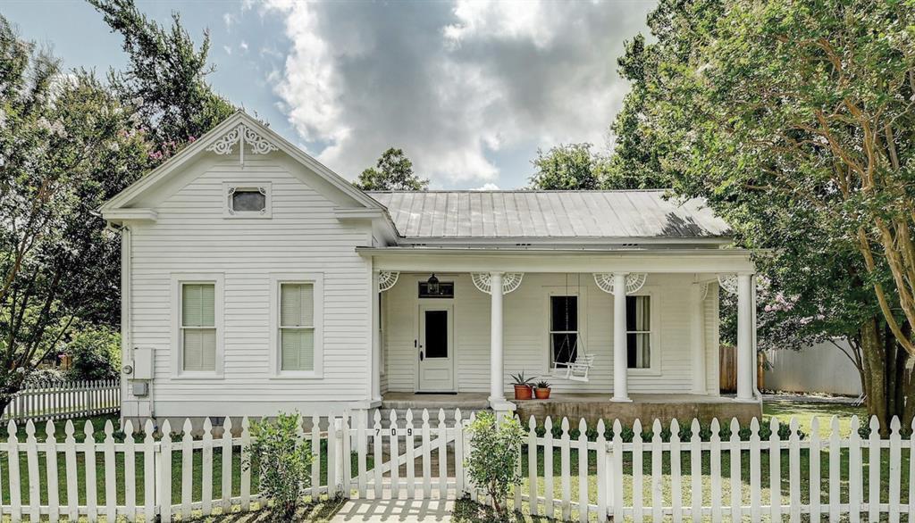 709 Hill, Bastrop, TX 78602 - Bastrop, TX real estate listing
