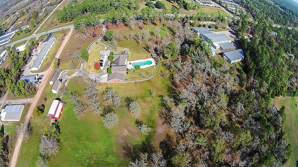 11425 Fm 830 Road Property Photo - Willis, TX real estate listing