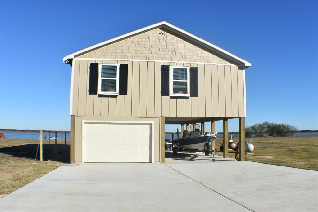 1207 Bay Drive Drive, Palacios, TX 77465 - Palacios, TX real estate listing