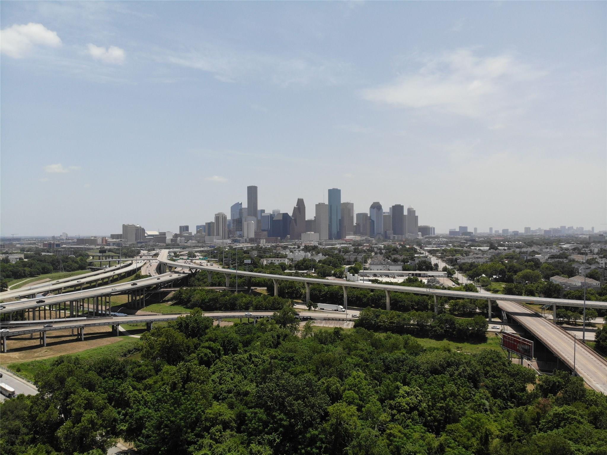 2520 Houston Avenue #608 Property Photo - Houston, TX real estate listing