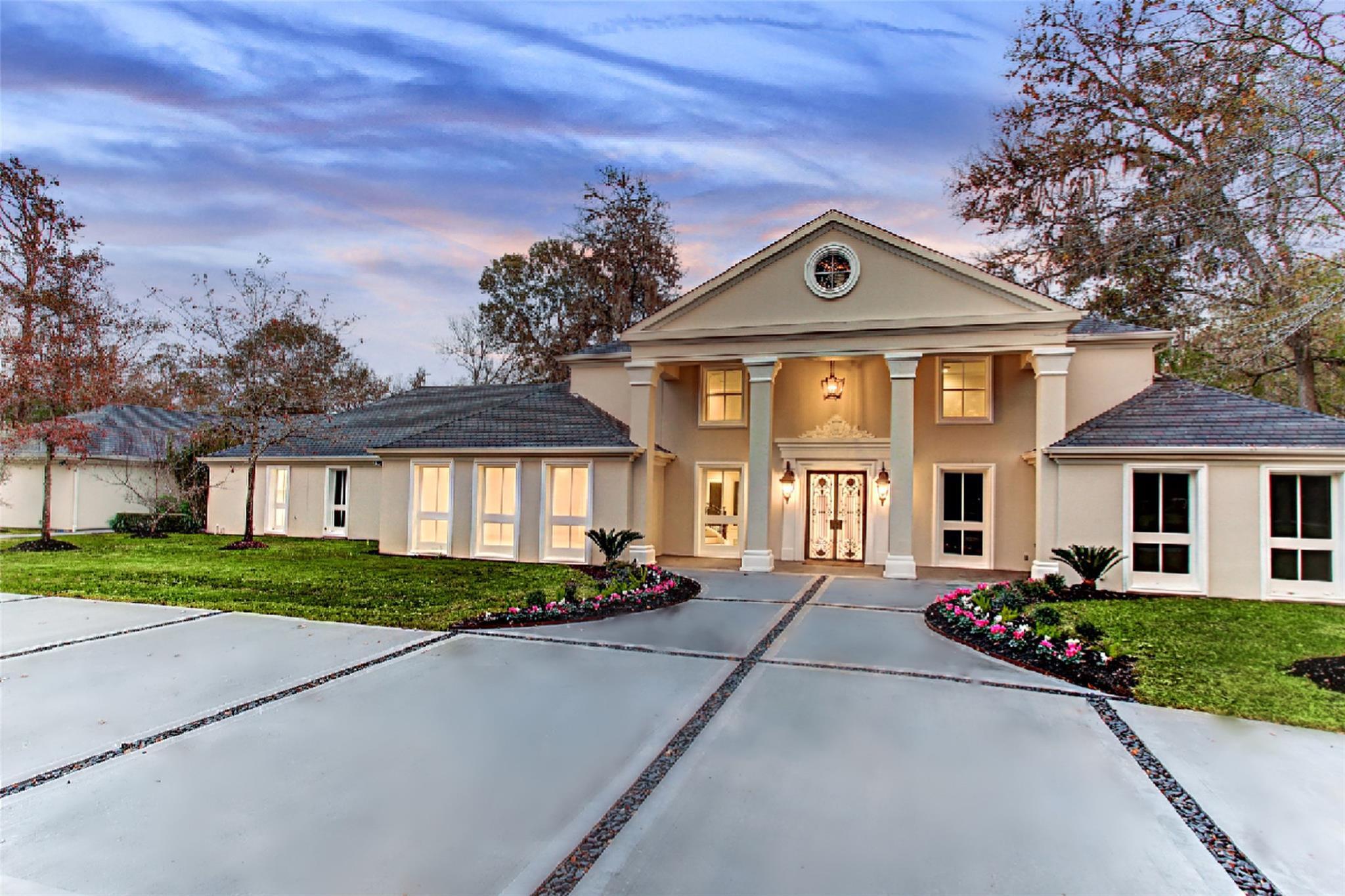 34 E Rivercrest Drive Property Photo - Houston, TX real estate listing