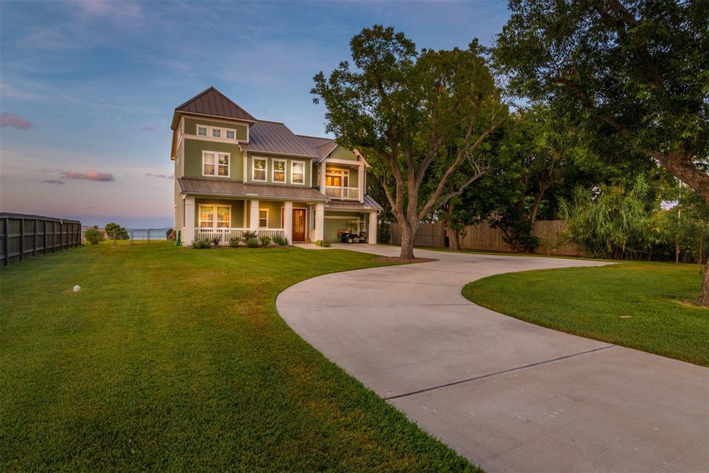 5047 W Bayshore Drive Property Photo - Bacliff, TX real estate listing