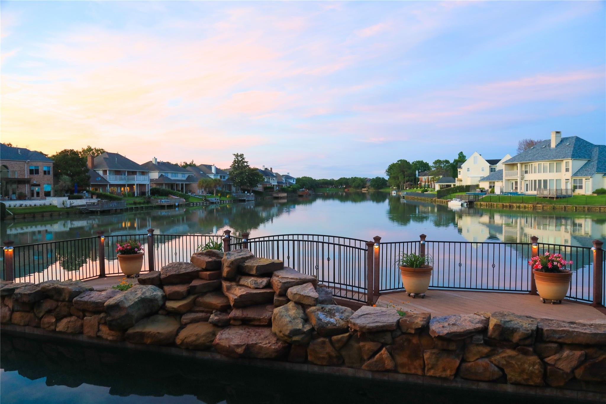 815 Lakeshore Drive Property Photo