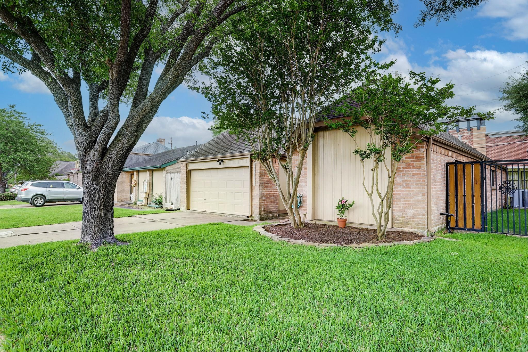 11723 Brook Meadows Property Photo - Meadows Place, TX real estate listing