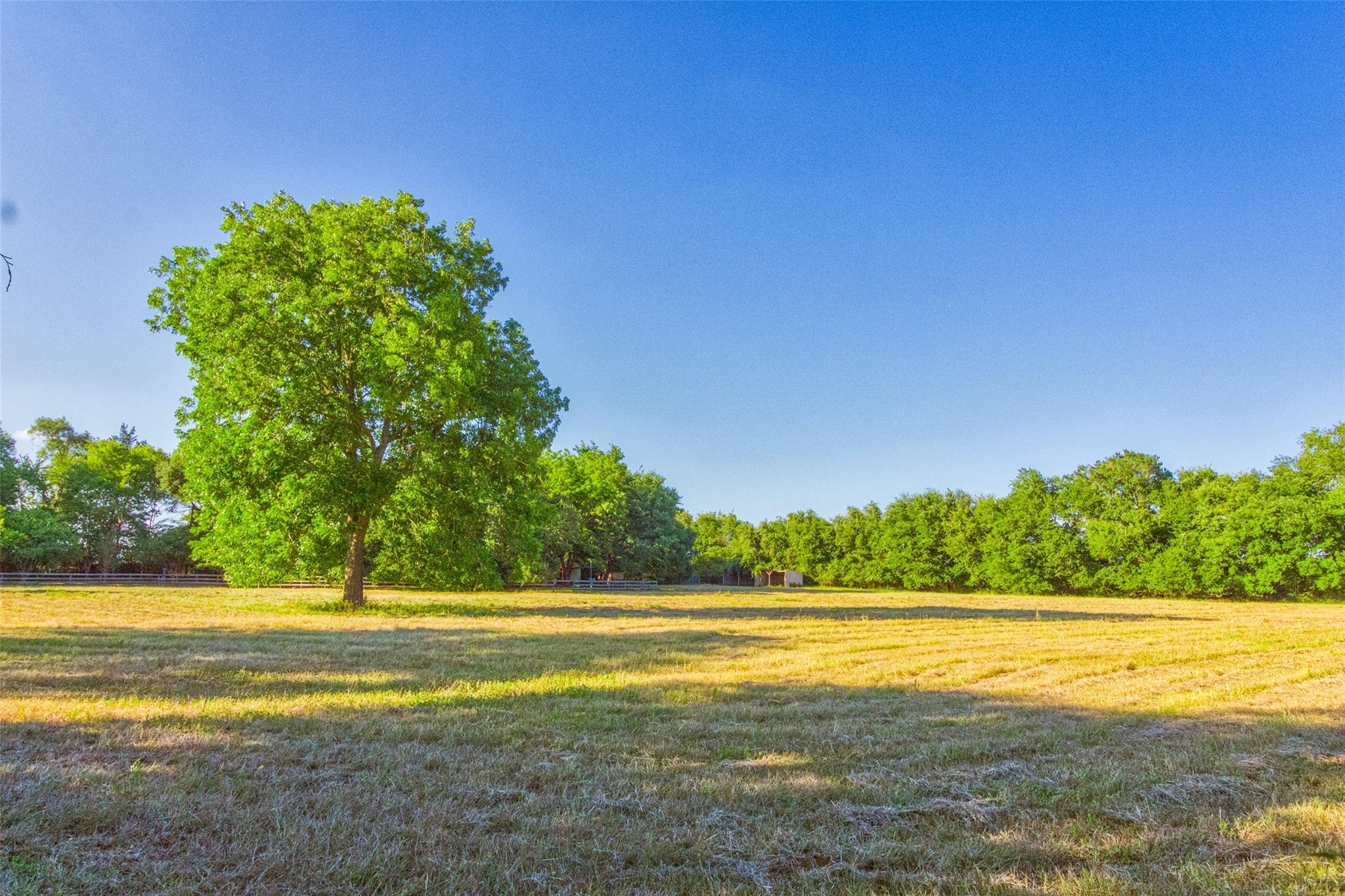 1198 Henry Prairie Church Road Property Photo - Franklin, TX real estate listing