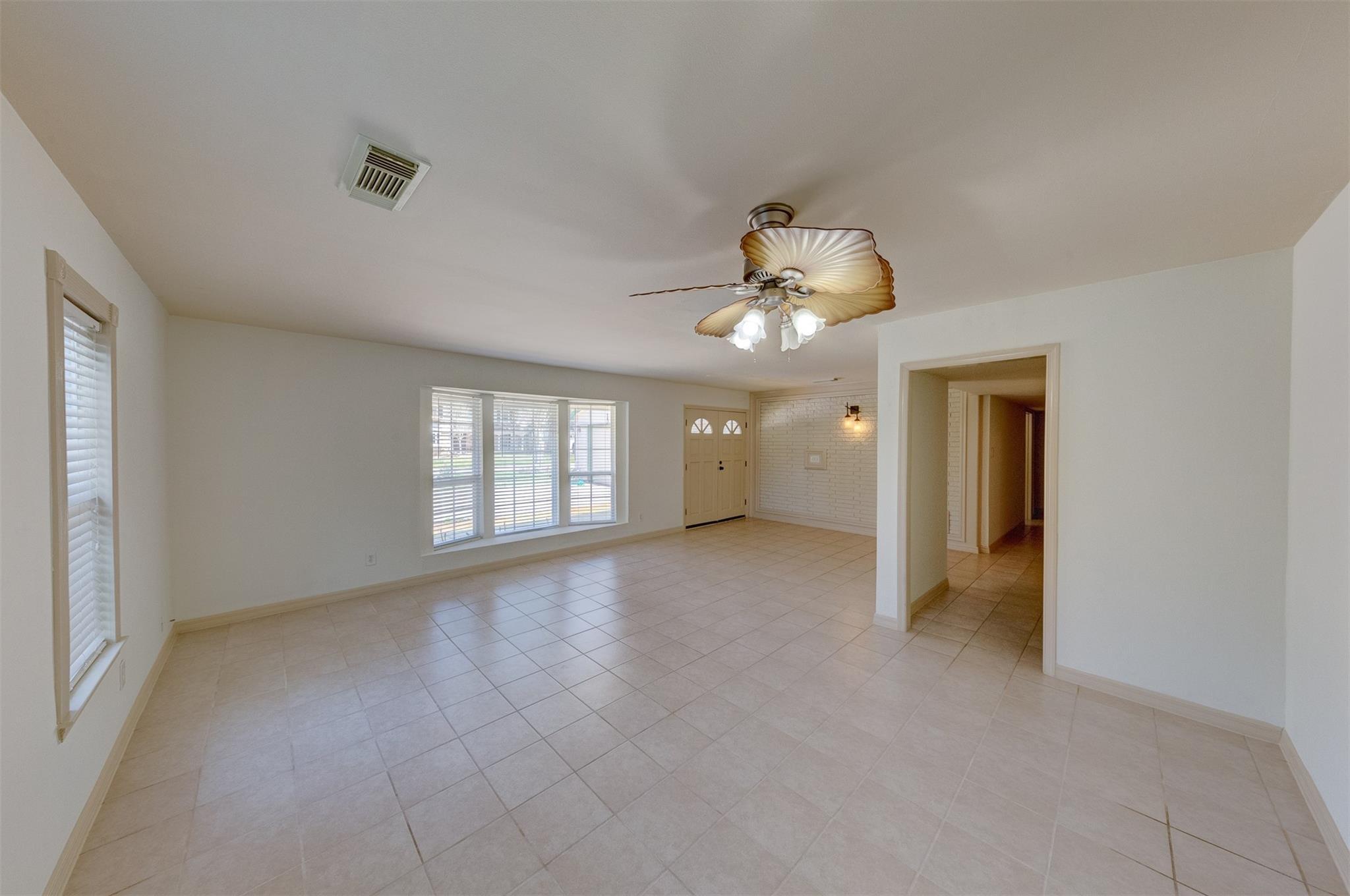326 Pebblebrook Drive Property Photo - El Lago, TX real estate listing