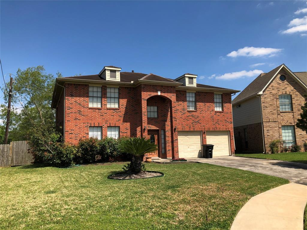102 Crest Court Property Photo - Stafford, TX real estate listing