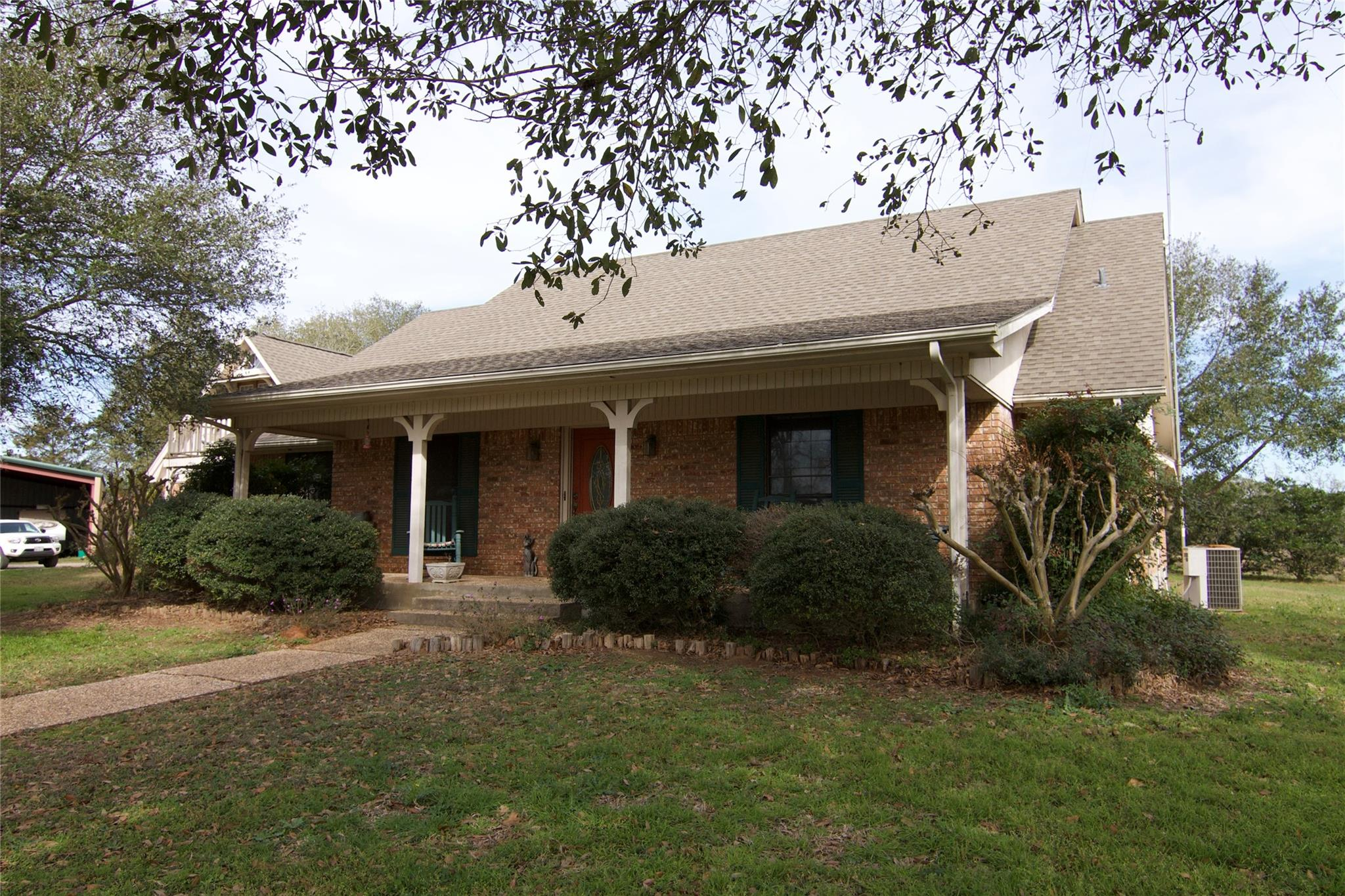 1110 Private Road 6002 Property Photo - Giddings, TX real estate listing