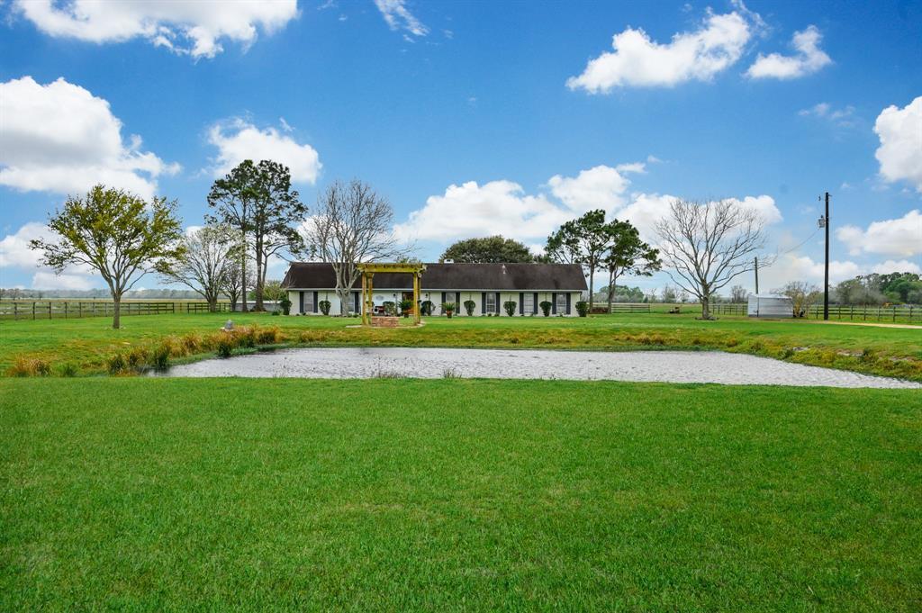 2209 County Road 467 Property Photo - Wharton, TX real estate listing