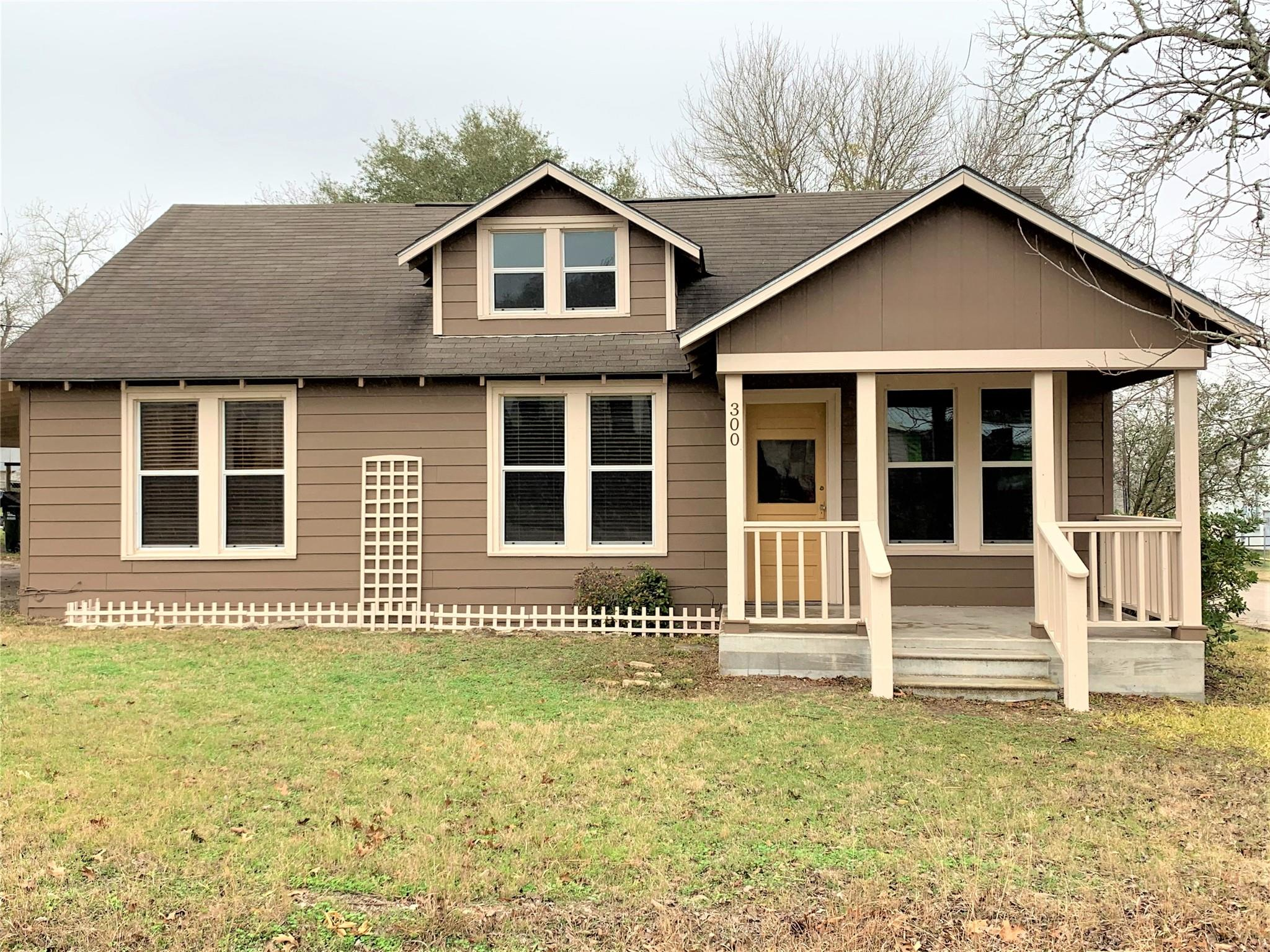 300 W Church Street Property Photo - Moulton, TX real estate listing