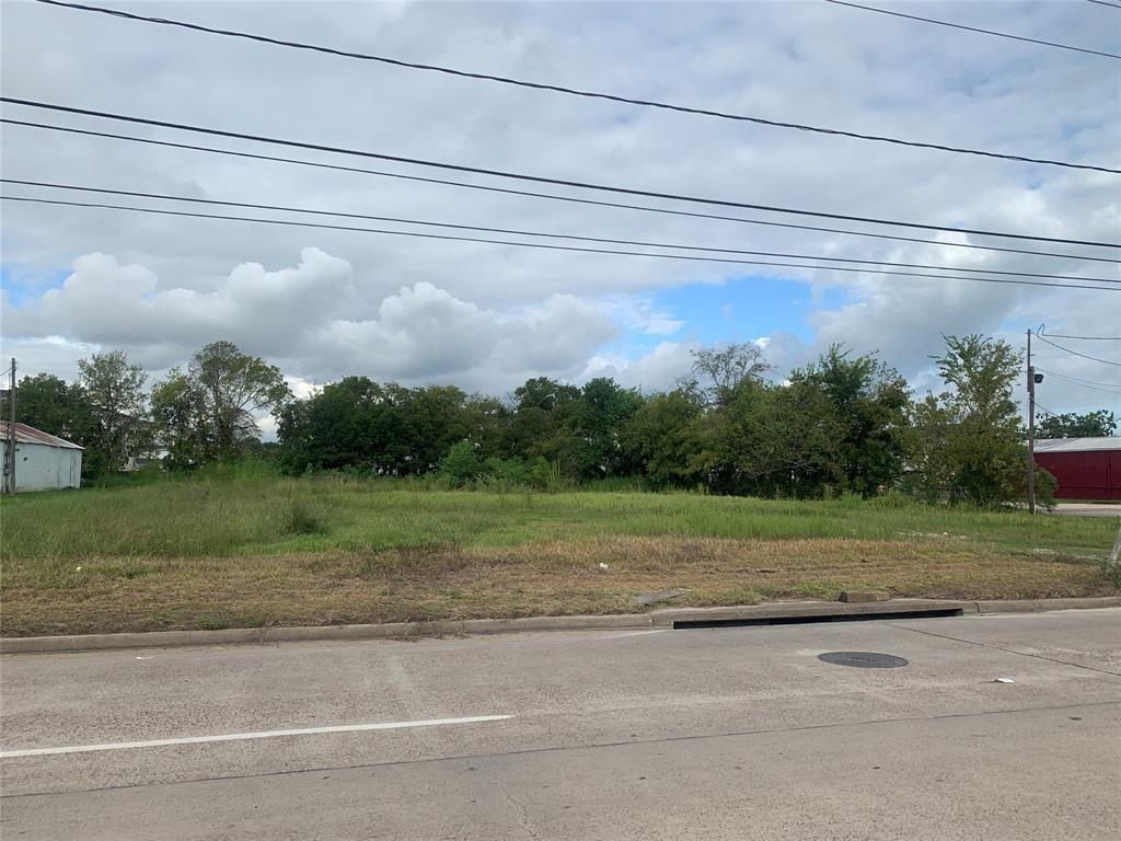 4823 N Main Street Property Photo
