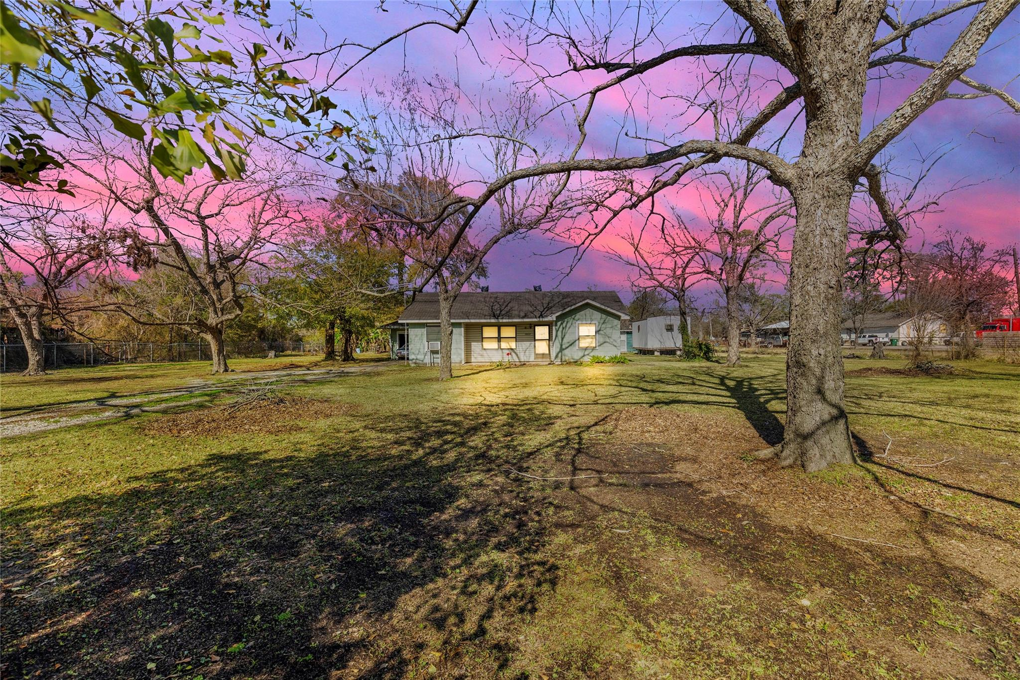 16027 Avenue C Property Photo