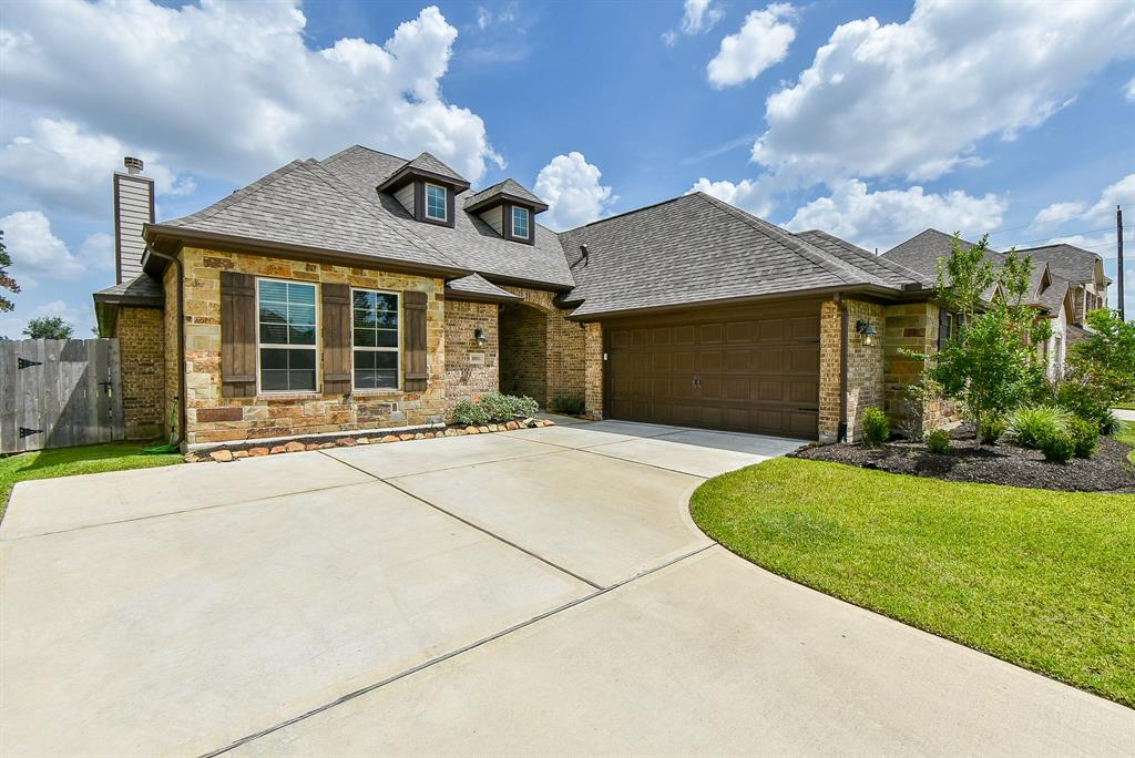 10811 Silver Shield Way Property Photo - Tomball, TX real estate listing