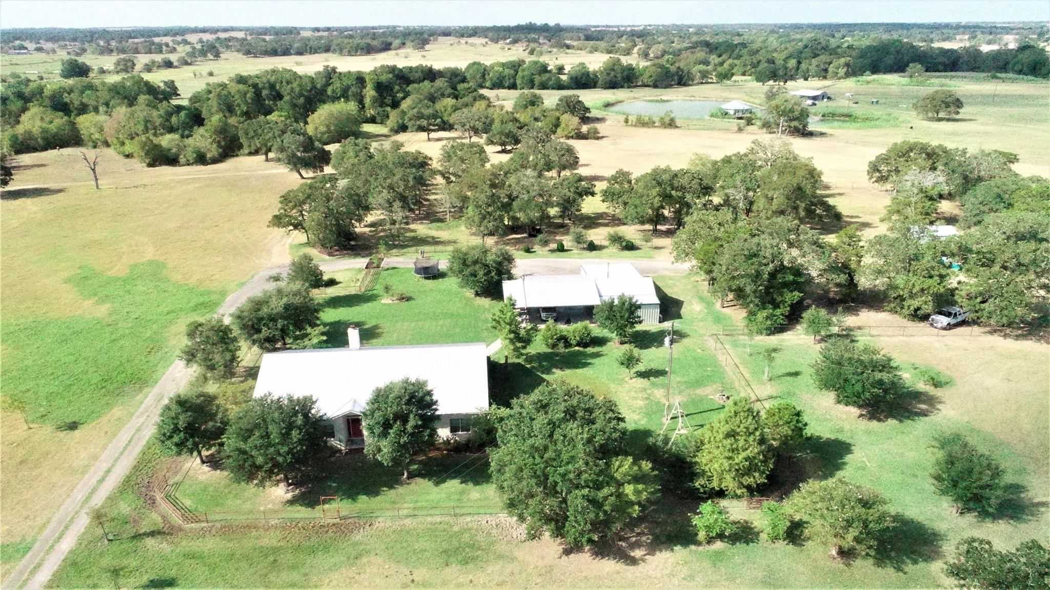 1811 County Road 208 Property Photo - Giddings, TX real estate listing