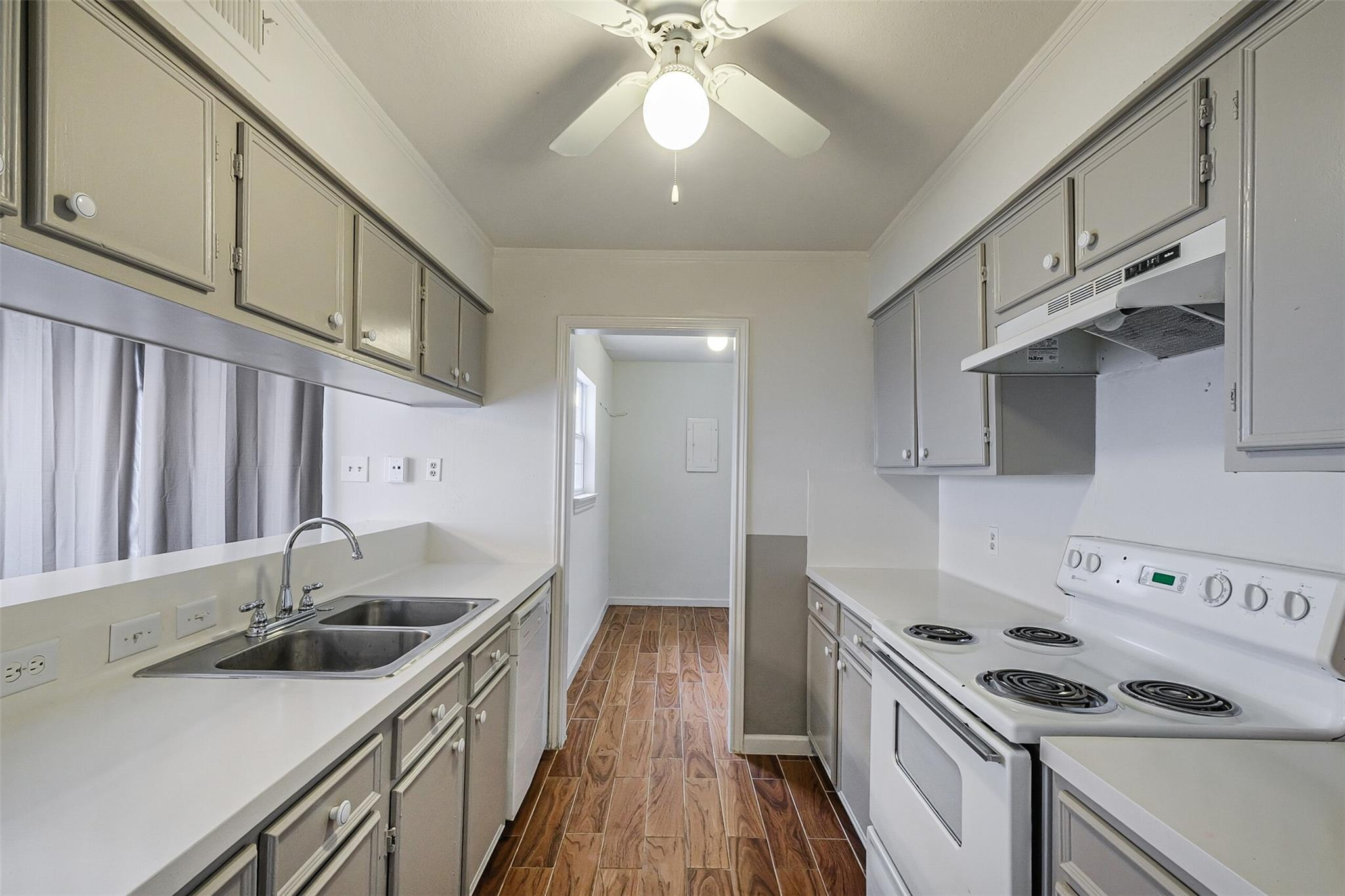 9200 W Bellfort Avenue #4 Property Photo