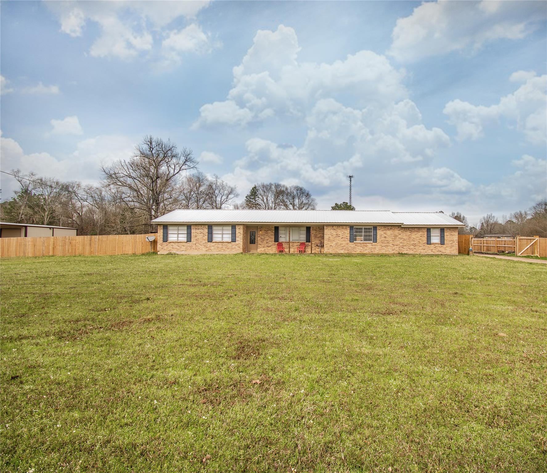 209 FM 83 Property Photo - Broaddus, TX real estate listing