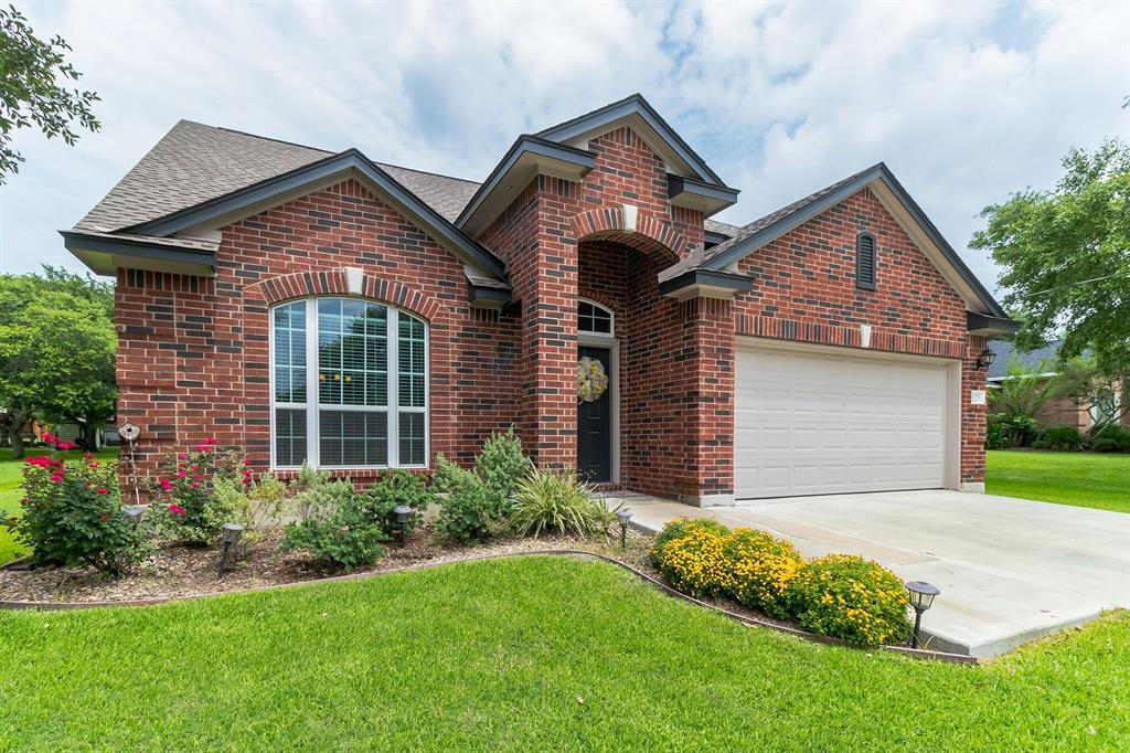 821 S Market Street, Flatonia, TX 78941 - Flatonia, TX real estate listing