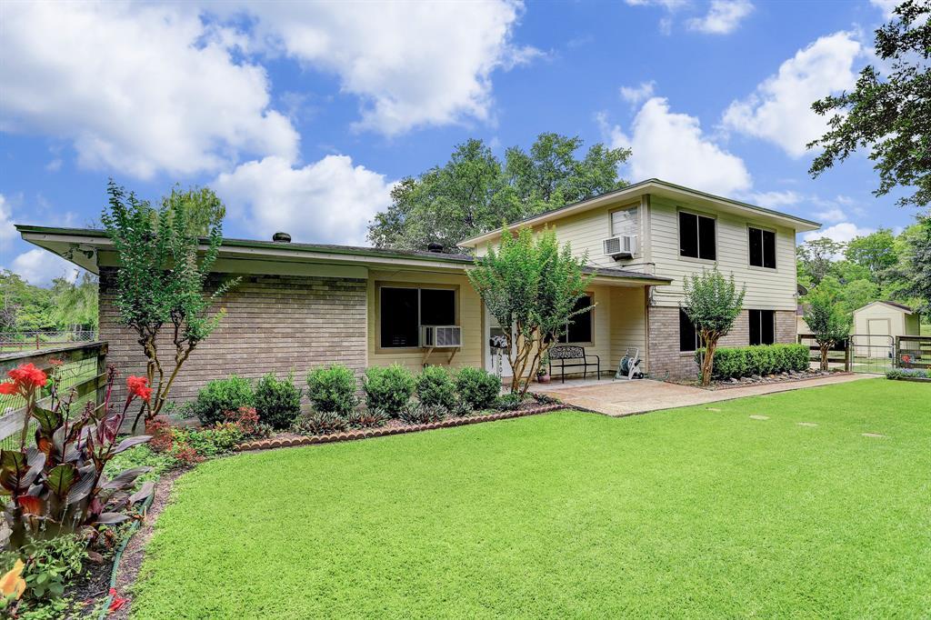 2401 Avenue L Property Photo - Santa Fe, TX real estate listing