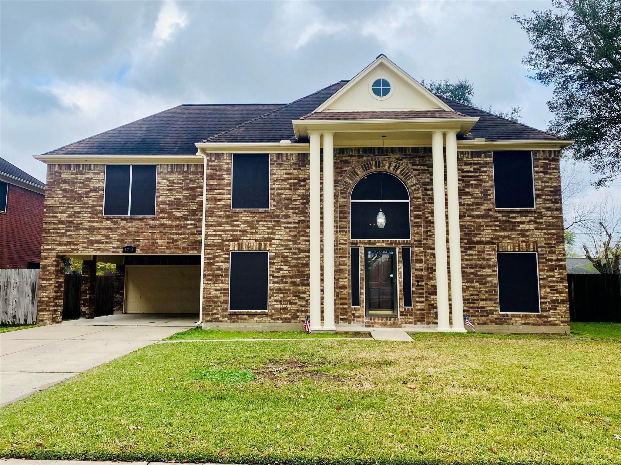 1714 Karankawas Court Property Photo - Deer Park, TX real estate listing