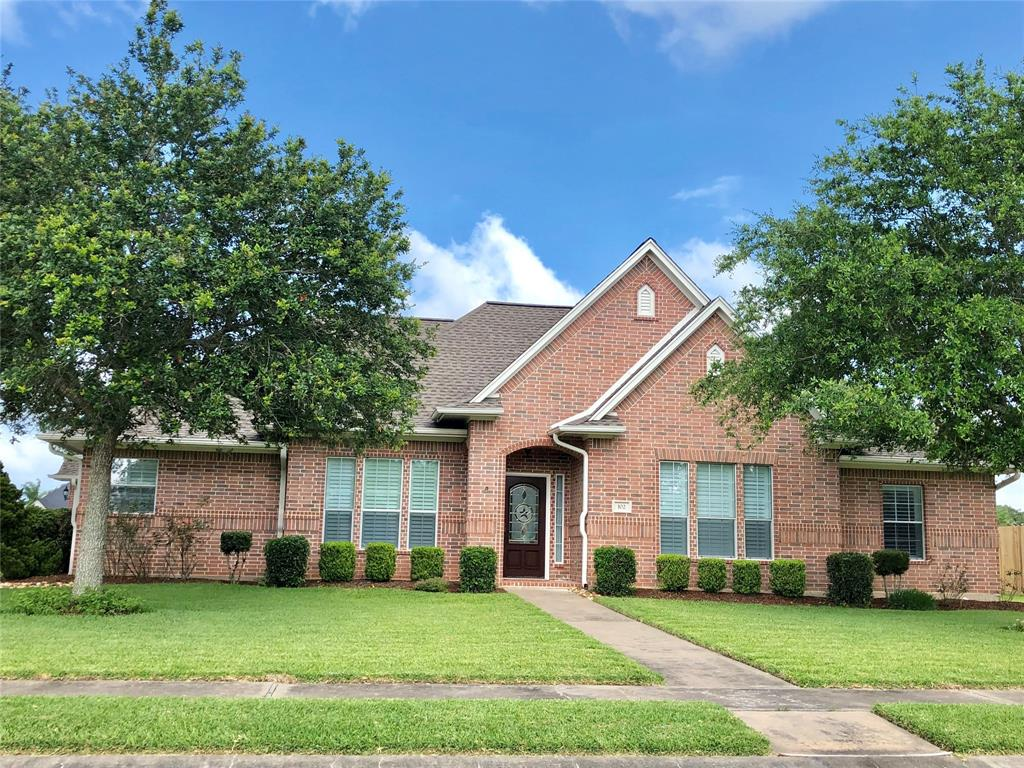 102 Gadwall Drive Property Photo - Clute, TX real estate listing