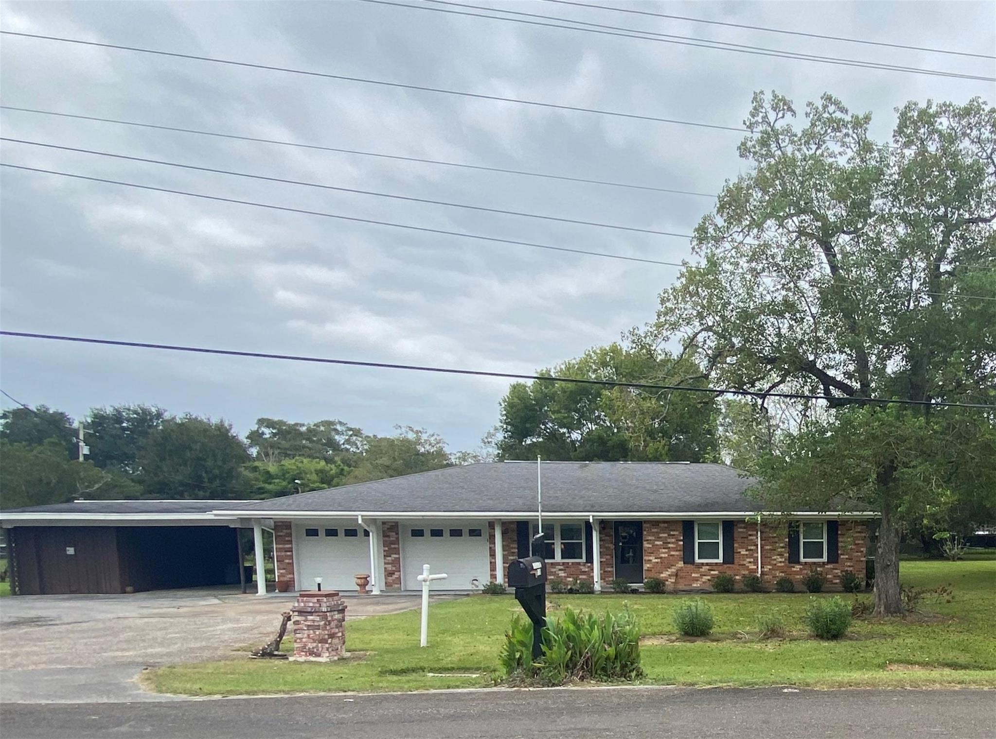 618 Franzen Street Property Photo - Winnie, TX real estate listing