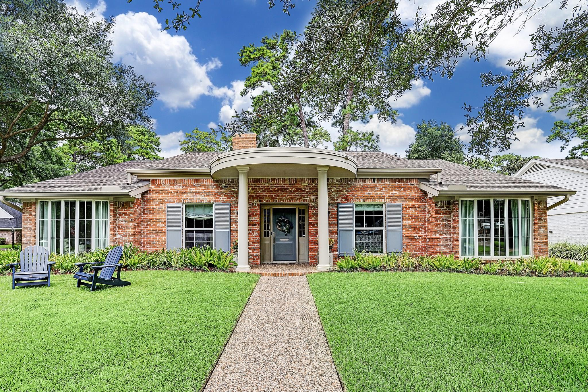 10052 Lynbrook Drive Property Photo - Houston, TX real estate listing