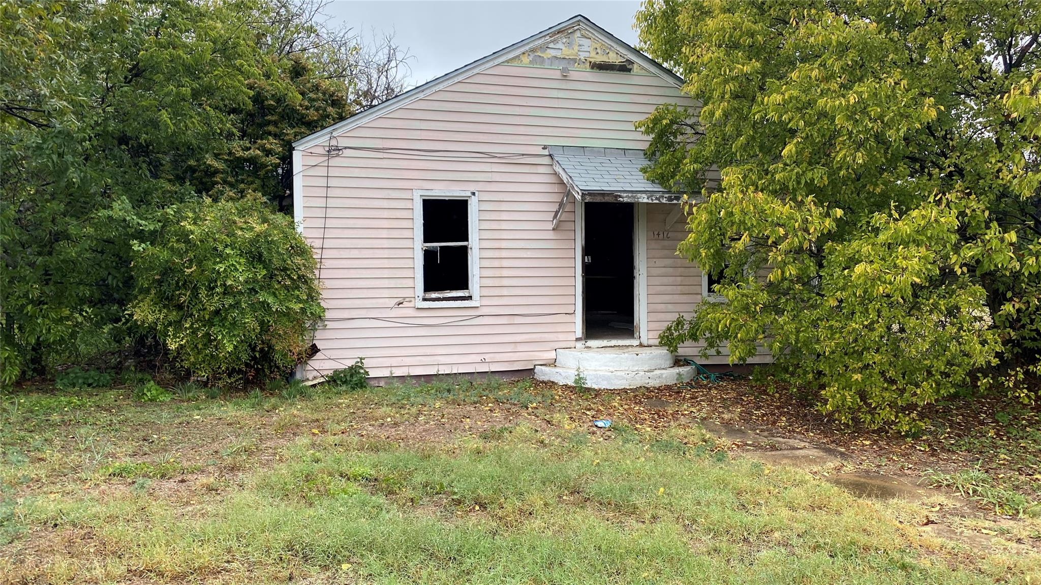 1416 Brazos Street Property Photo - Coleman, TX real estate listing