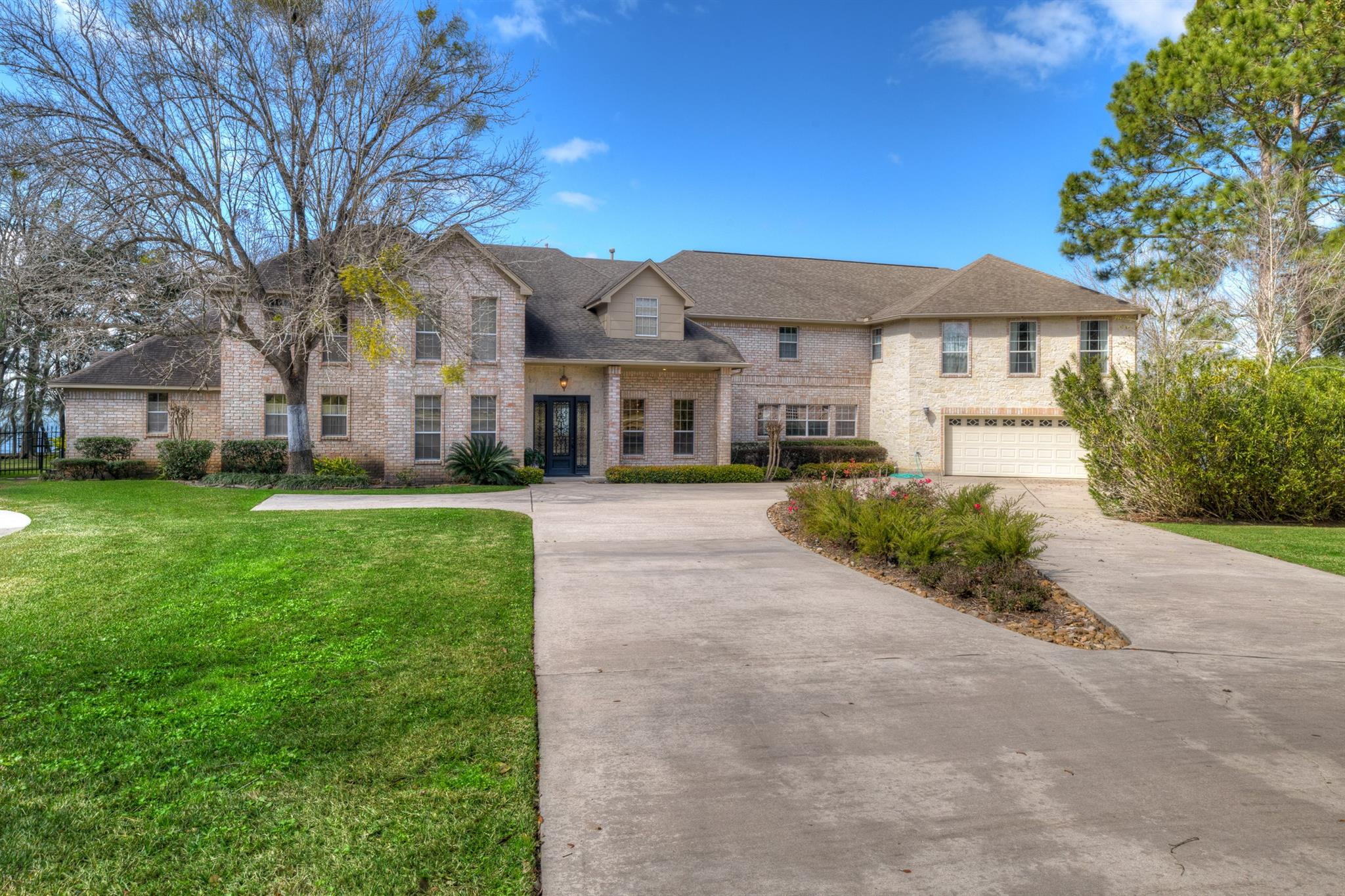 10181 Valley Drive S Property Photo - Willis, TX real estate listing