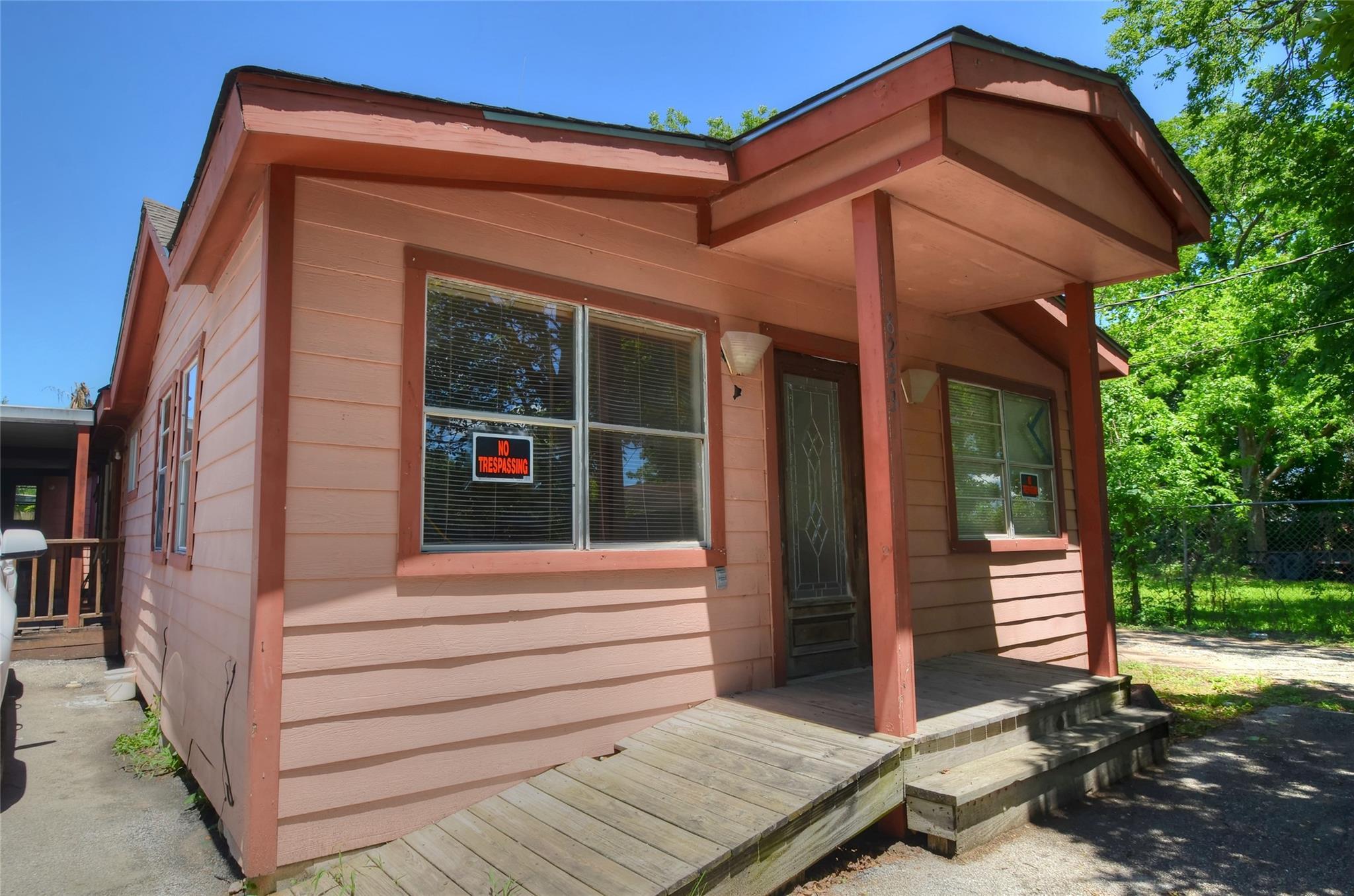 8223 Lane Street Property Photo