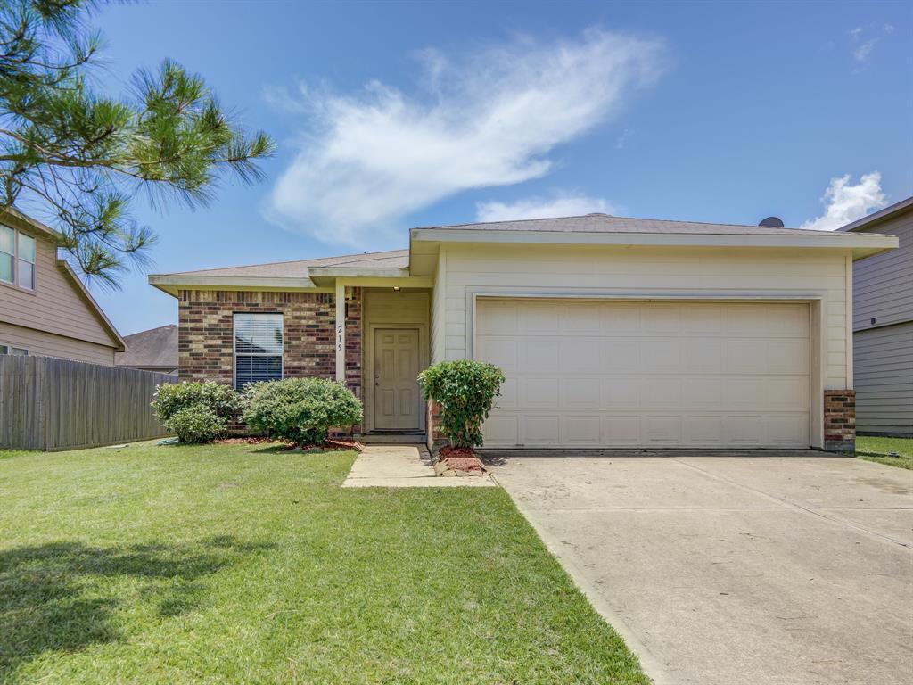 215 Splintered Arrow Drive Property Photo - La Marque, TX real estate listing