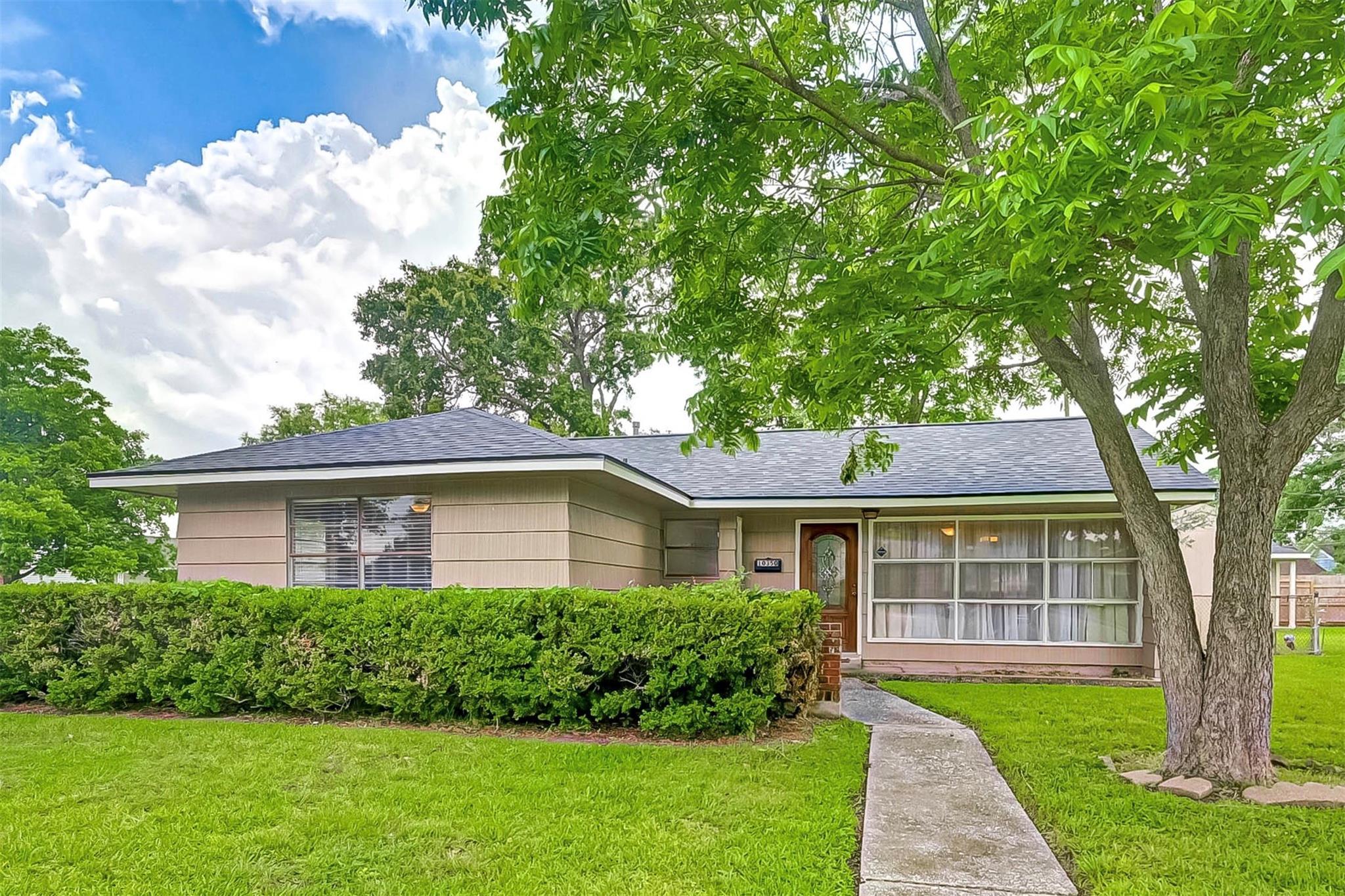 10350 Lafferty Oaks Street Property Photo