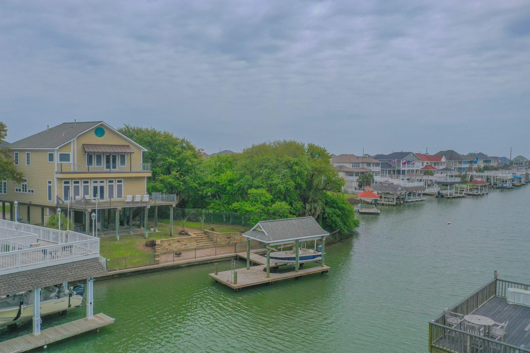 3430 Windlass Court Property Photo - Galveston, TX real estate listing