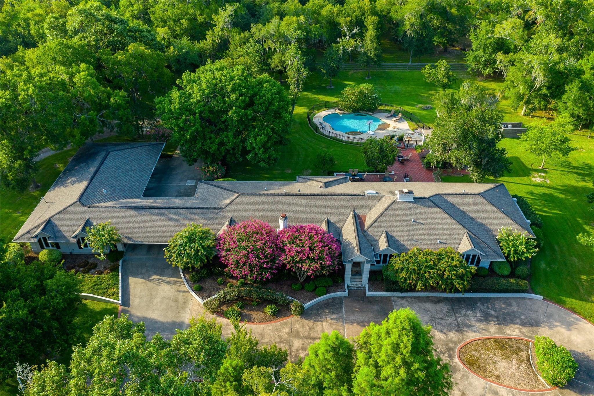 703 Oak Drive Property Photo - Friendswood, TX real estate listing
