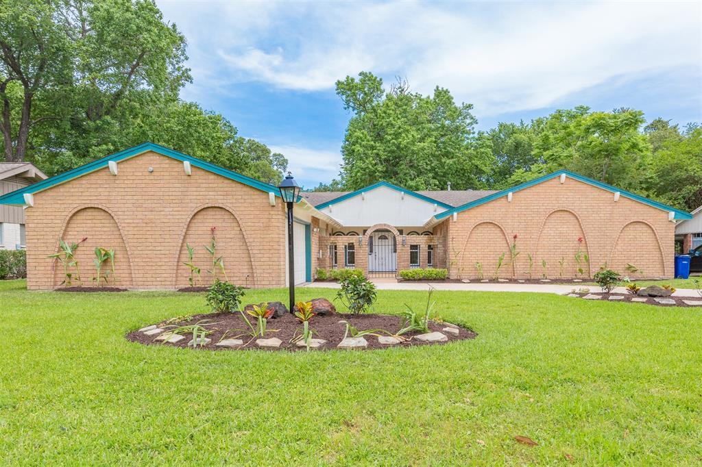18519 Point Lookout Drive, Nassau Bay, TX 77058 - Nassau Bay, TX real estate listing