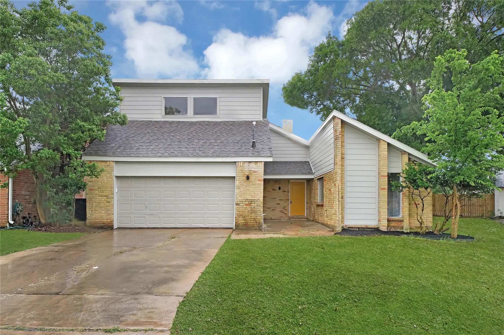 12131 Meadow Pines Drive Property Photo