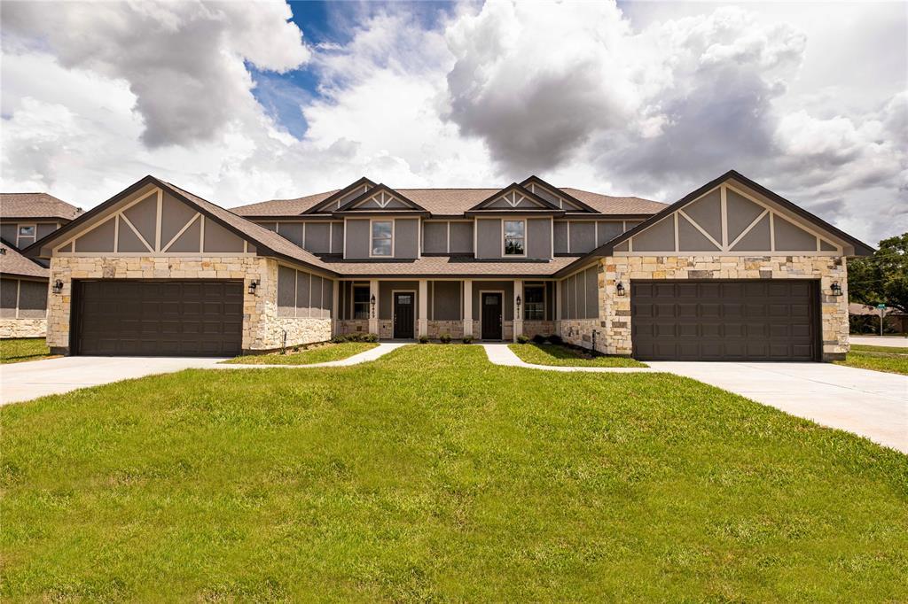 2445-2475 Freeway Manor Drive Property Photo - Rosenberg, TX real estate listing