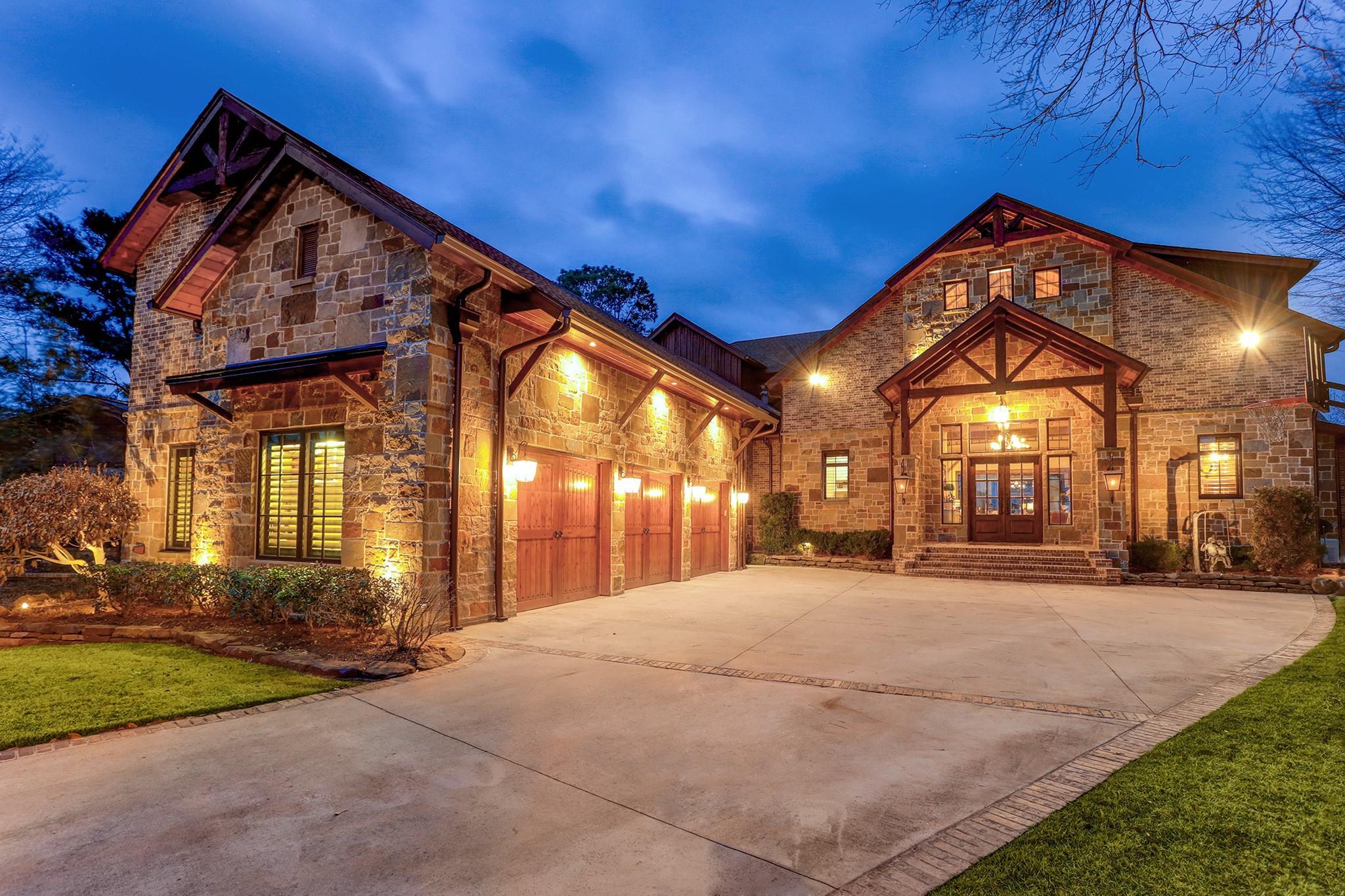9144 Escondido Drive Property Photo