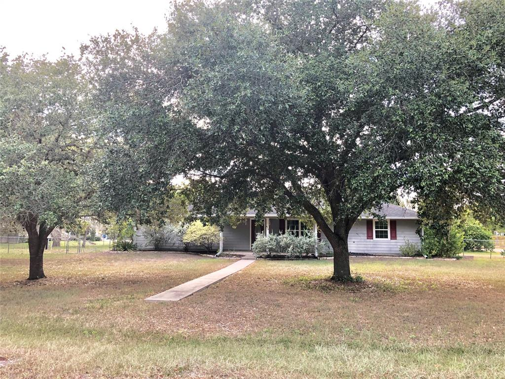 812 Josephine Street Property Photo - Yoakum, TX real estate listing