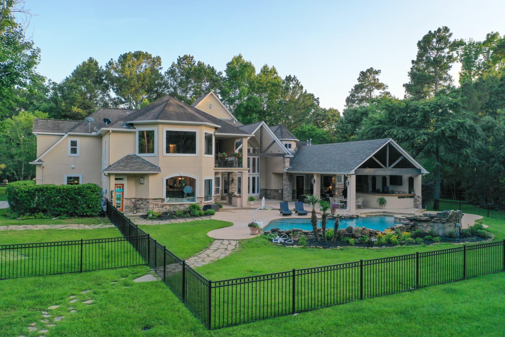 28413 Timber Oaks Court Property Photo