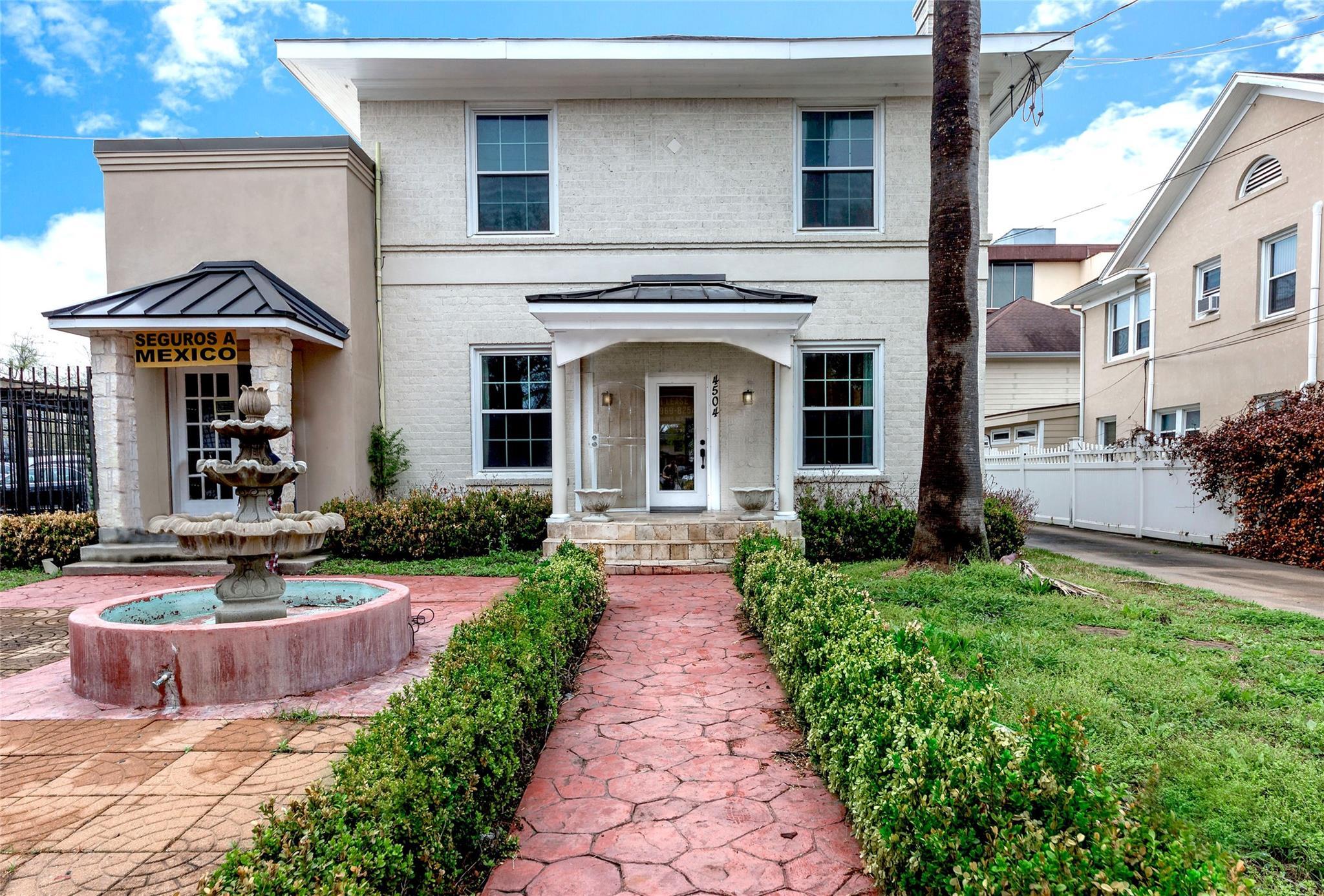 4504 Caroline Street Property Photo