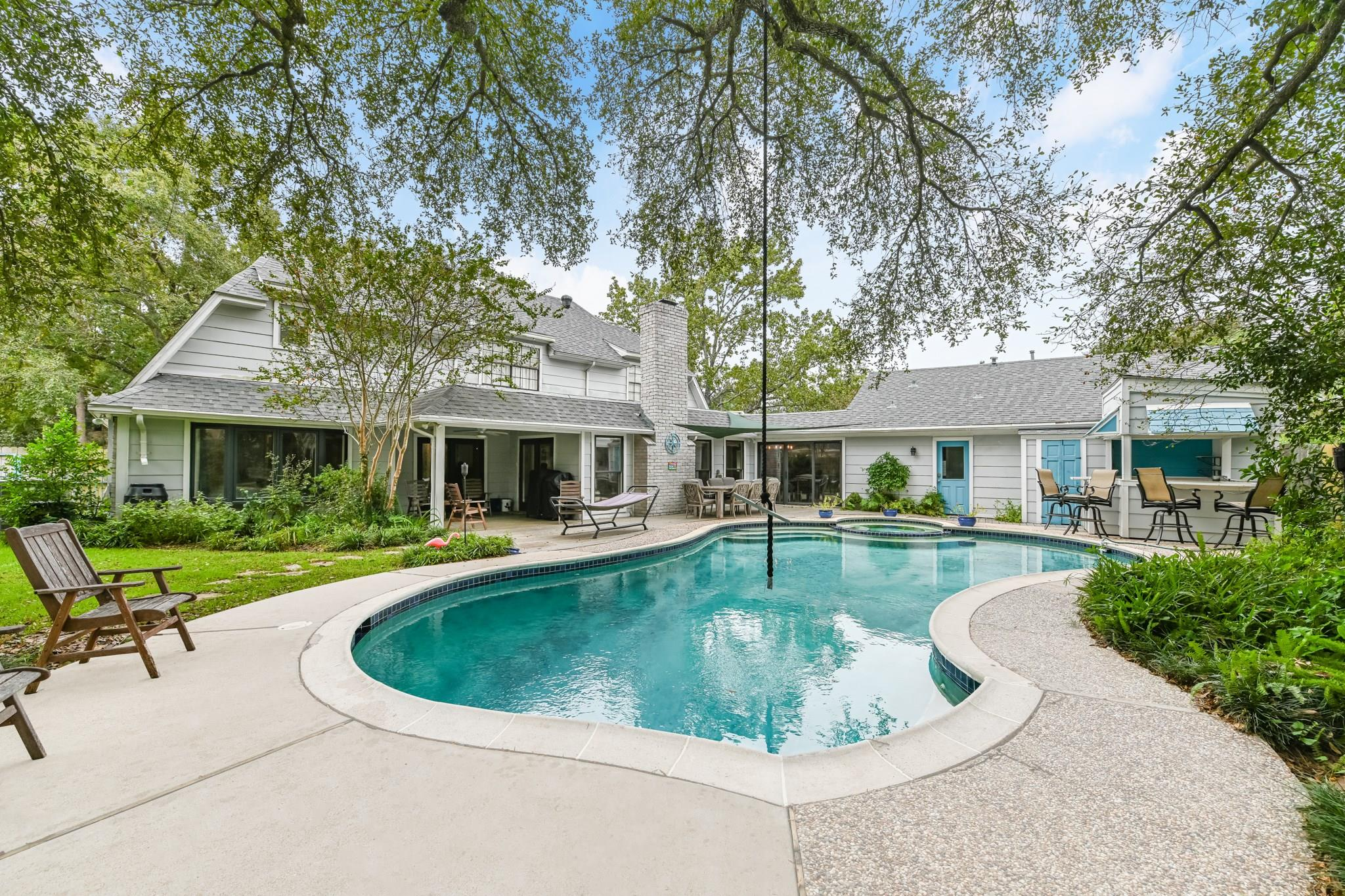 10830 Candlewood Drive Property Photo - Houston, TX real estate listing