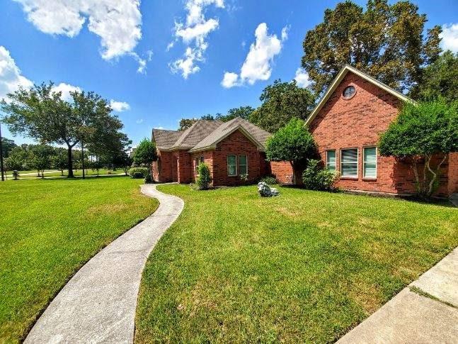8003 Sarah Lane, Baytown, TX 77521 - Baytown, TX real estate listing