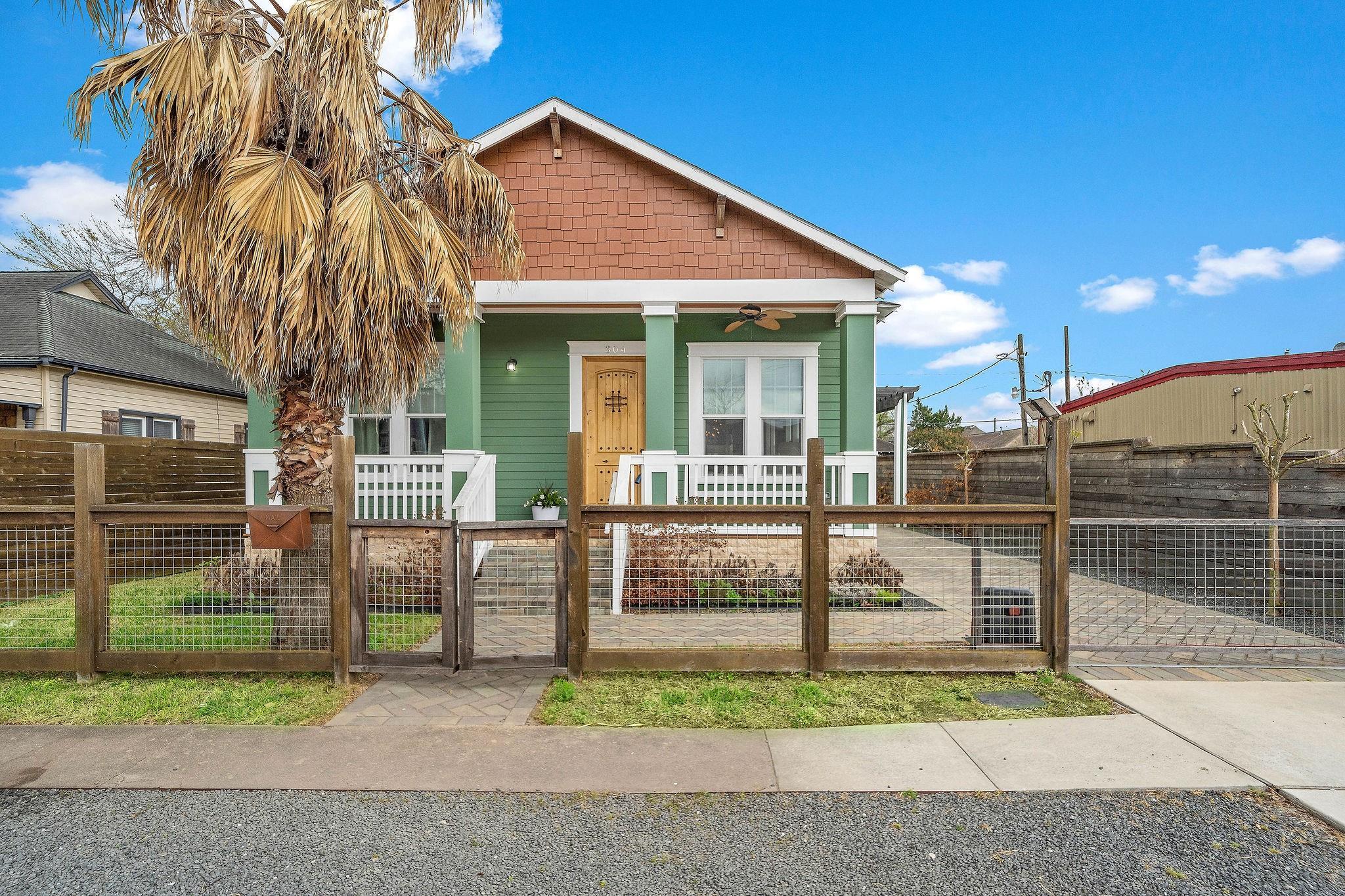 304 Walton Street Property Photo 1