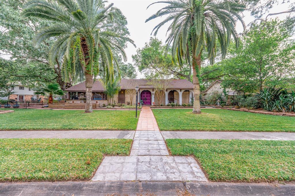 430 Woodvine Drive Property Photo - El Lago, TX real estate listing
