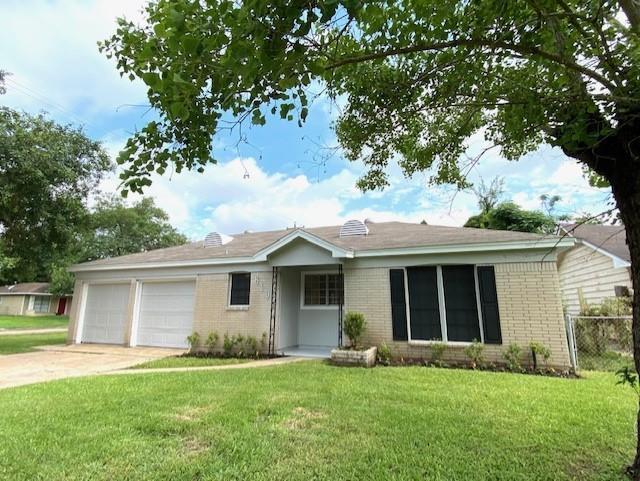 6103 Moss Oaks Drive Property Photo