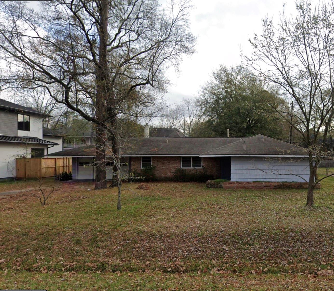 1226 Glourie Drive Property Photo 1